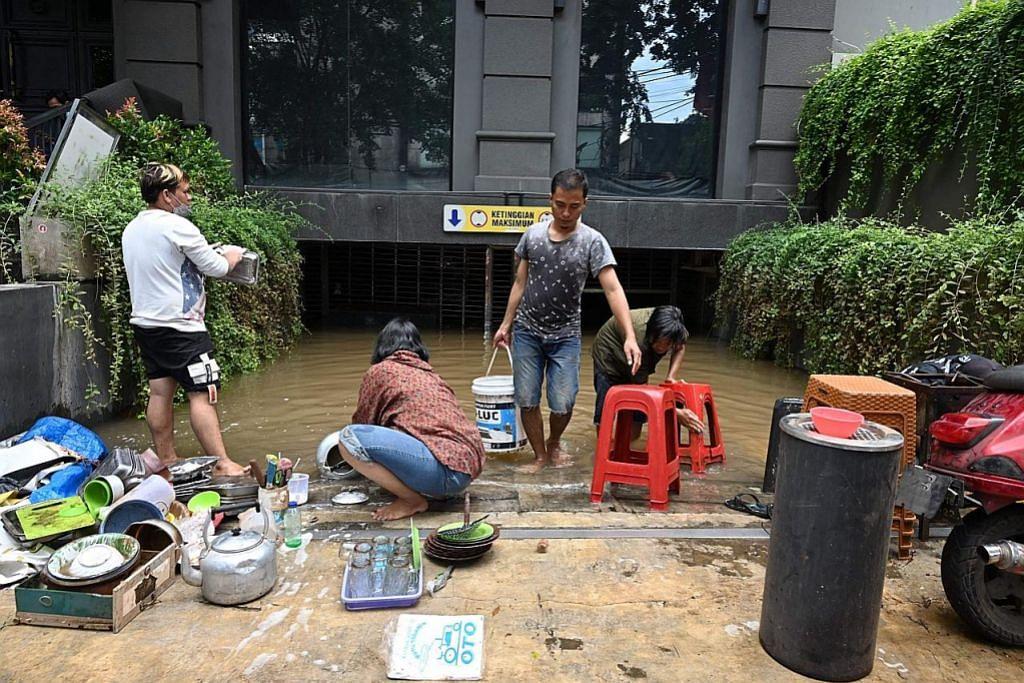 Lima terbunuh dalam banjir di Jakarta