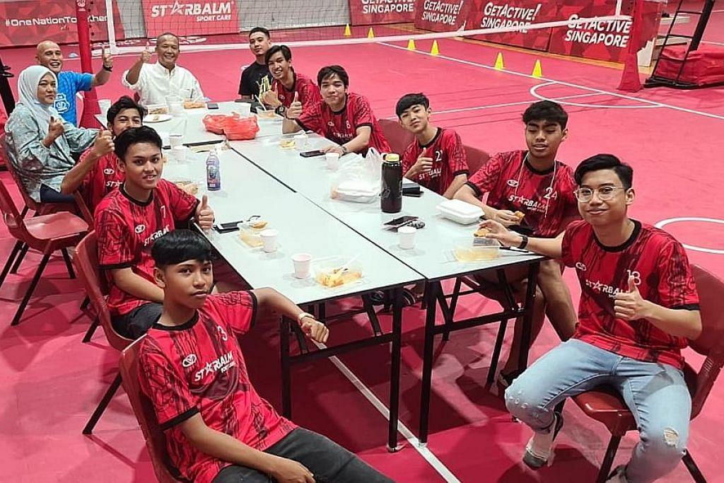 Pasukan U-17 Perses teruskan latihan bentuk semangat pasukan dalam suasana kekeluargaan dengan jurulatih