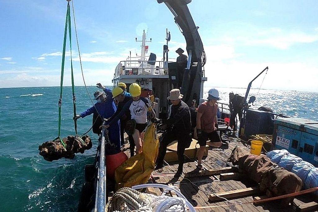 2 bangkai kapal dipercayai dari abad ke-14 ditemui di perairan S'pura