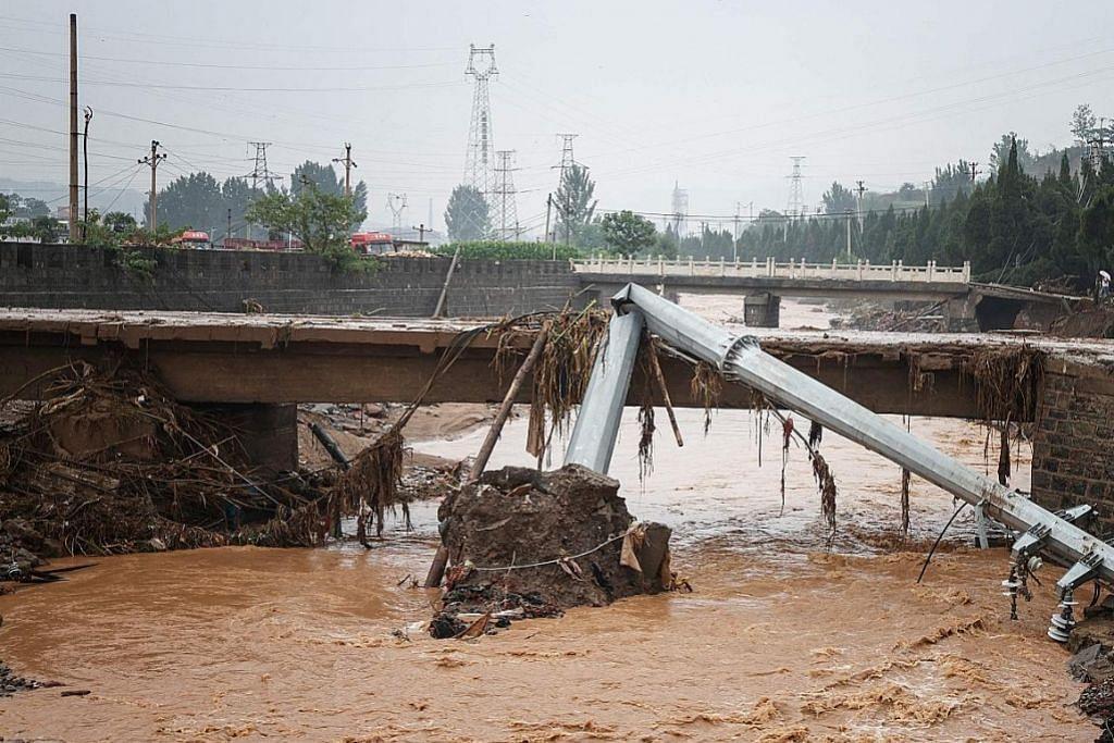 Warganet China banjiri ruang siber persoal amaran awal sebelum bah Persatuan Palang Merah S'pura hulur lebih $200,000 bantu mangsa banjir
