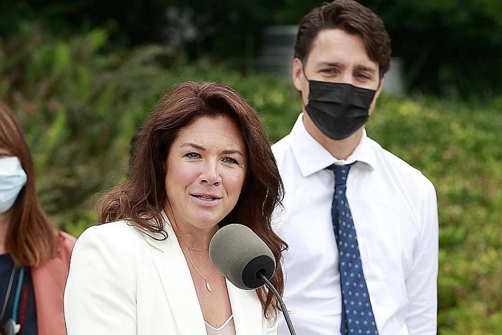Warga tolak vaksinasi wajib Covid-19 ganggu kempen pilihan raya PM Canada