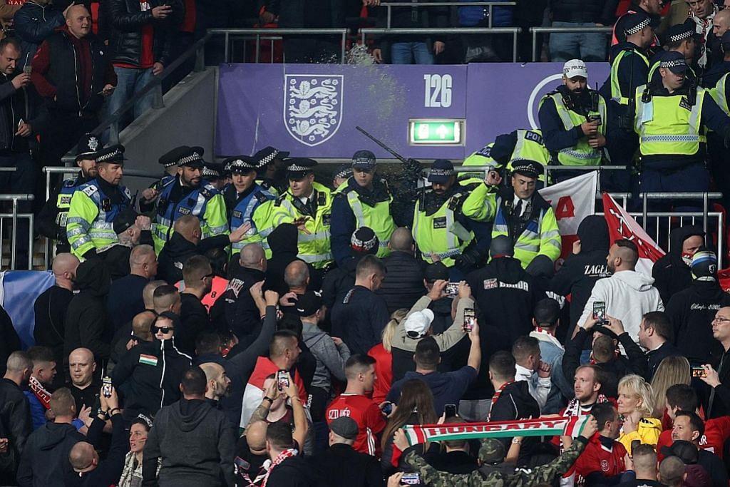 England disekat Hungary; perlawanan dicemari keganasan penyokong